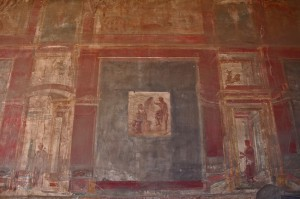 Red and black murals indicated great wealth